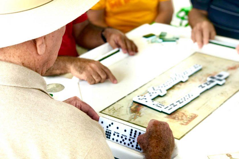 Joueurs de dominos au Domino Park