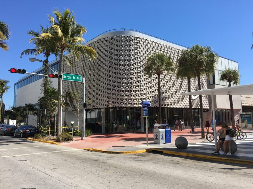 Lincoln Road Mall shopping