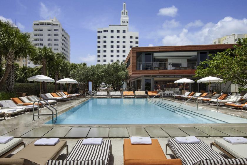 SLS South Beach, un hôtel haut de gamme, réputé pour ses pool-party